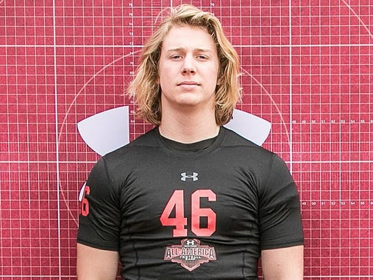 West Hills (Calif.) Chaminade defensive end Parks Gissinger