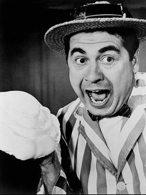 Fryar, as Hickenlooper, with pie, 1961