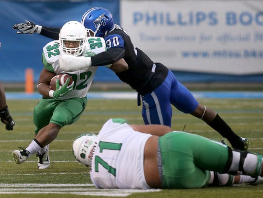 636046154063273665-18-MTSU-defense-Harris.jpg