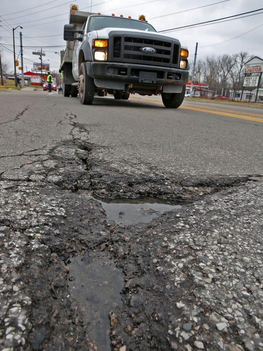 636208708441826833-Potholes-KW-006.JPG
