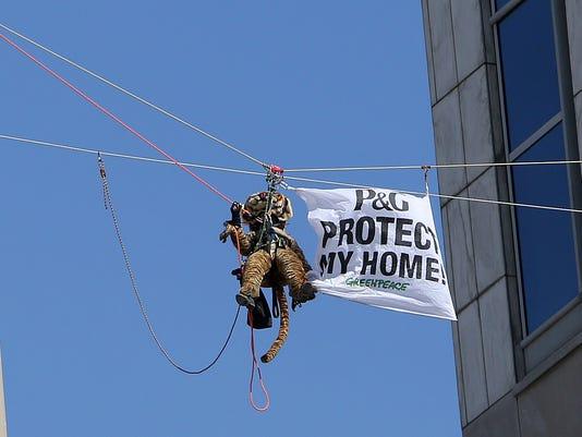 -002PG PROTEST.JPG_20140304.jpg