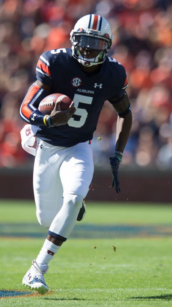 Auburn quarterback John Franklin III (5) runs downfield during the NCAA football game between Auburn and Vanderbilt Saturday, Nov. 5, 2016, at Jordan-Hare Stadium in Auburn, Ala.