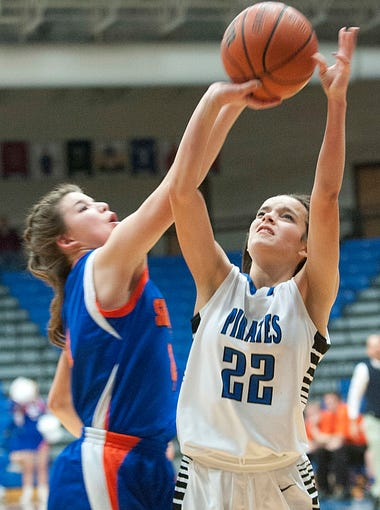 Silver Creek Lady Dragons' Lauren Cunliffe tries to