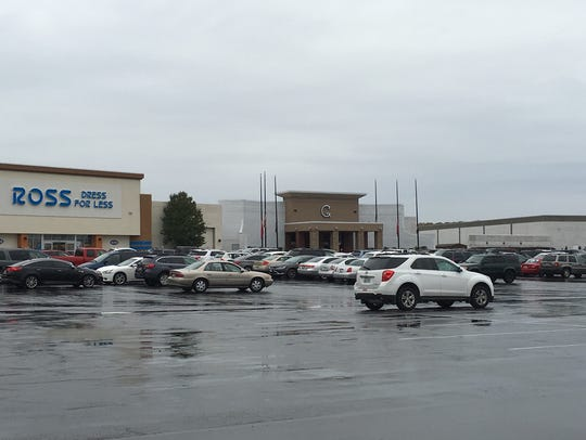 Governor's Square Mall continues to be the centerpience