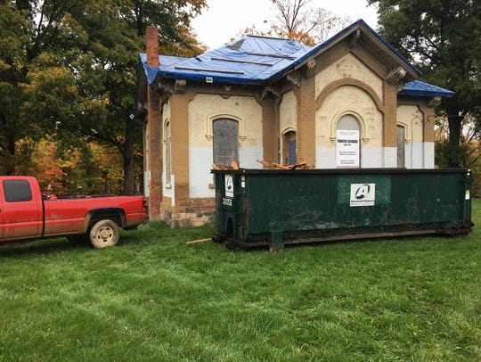 Work continues on the historic Thayer School.