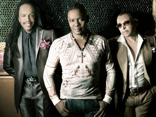 636171343803610254-Earth-Wind-Fire---press.shot.jpg
