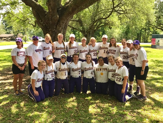 636284872442332524-Benton-softball-17.jpg