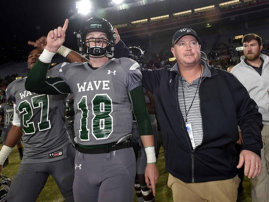 West Point Green Wave head coach Chris Chambless (right)