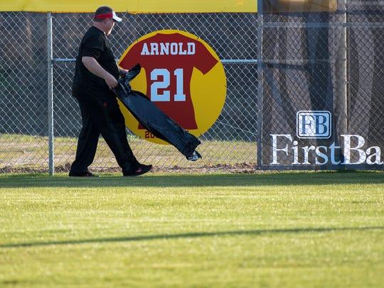 Lexington Head Coach Ronnie Burke unveils Shelese Arnold's