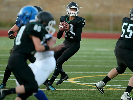 636398265553342748-Football-Bremerton-KSS-20.JPG