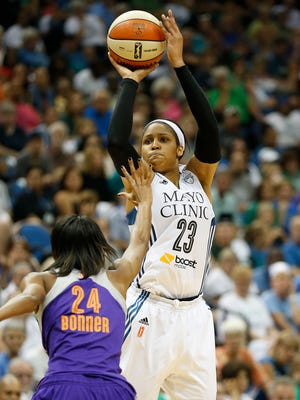 Maya Moore (23) scored 13 of her game-high 32 points in the fourth quarter for the Lynx.