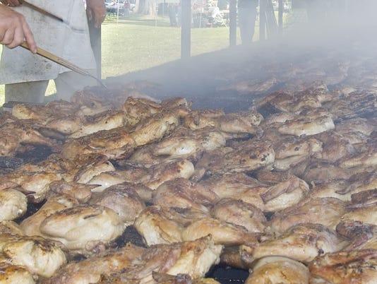 20080704_Lansing_Lions_Chicken_BBQ_es