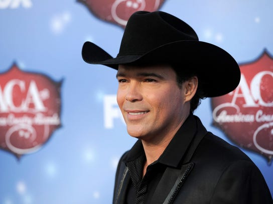 Clay Walker arrives at the American Country Awards