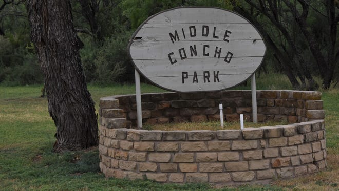 The entrance sign for Middle Concho Park.