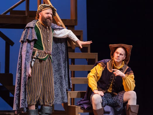 comparing hamlet with rosencrantz and guildenstern are dead 3 theater of the absurd rosencrantz and guildenstern are dead is an example of  compare and contrast the characters of hamlet and rosencrantz and.