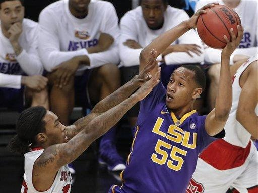 Tim Quarterman (55) and the LSU Tigers will play Marquette in Brooklyn this season.