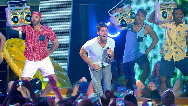 Jake Owen performs at the 2015 CMT Music Awards on Wednesday, June 10, 2015, in Nashville.