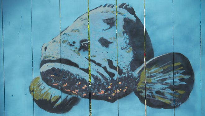 File: Mural in Palm City by Katie Carlsson.
