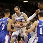 Fox's jumper with 13.4 seconds left lifts Kings over 76ers
