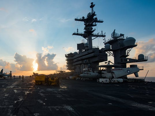 EPA AT SEA USA DEFENCE NAVY CARL VINSON POL DEFENCE --- SO