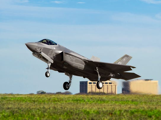 An early version of the F-35 takes off from Fort Worth,