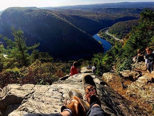 Mount Tammany Overlooks Minsi In Pennsylvania
