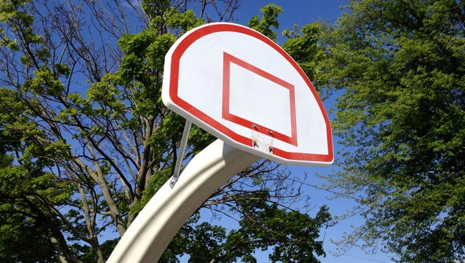 Green Bay police removed the metal rims from the backboards at the Fisk Park basketball courts to quell large crowds that police say had gotten too unruly.