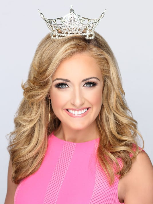 636328684906771190-Miss-TN-2016-Pink-Crown-No-Words-8x10.jpg