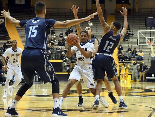 636537244165687831-Old-Dom-vs-USM-Basketball26.jpg