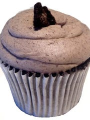 Cookies 'n' Cream Revival cupcake