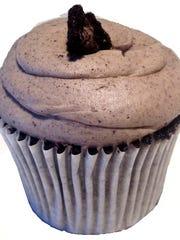 Cookies 'n' Cream Revival cupcake