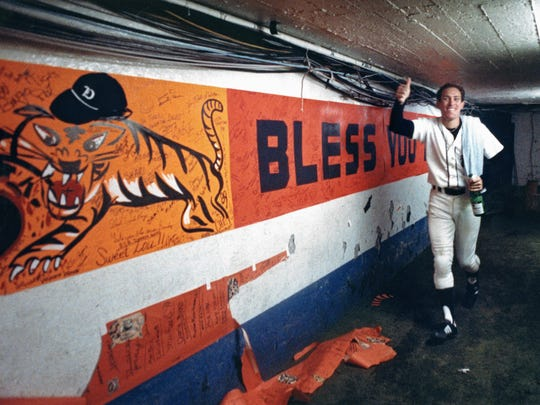 Detroit Tiger Alan Trammell comes back from the field