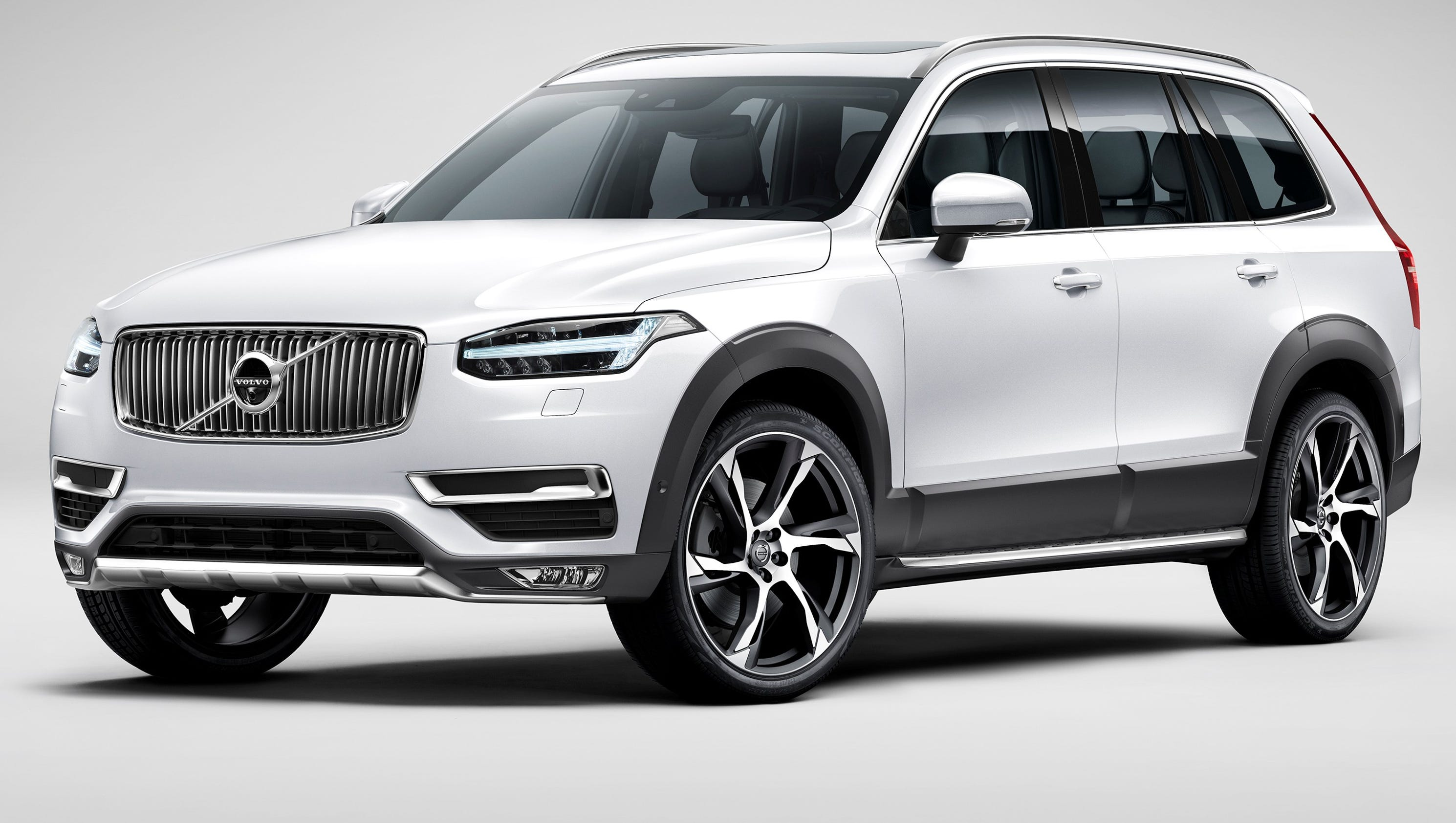 Review Volvo bills XC90 as world s first 7 seat plug in SUV
