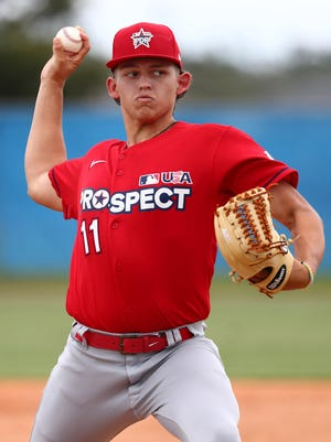 The Kansas City Royals selected Ben Hernandez, a high school pitcher from Illinois, in the second round of the MLB draft.