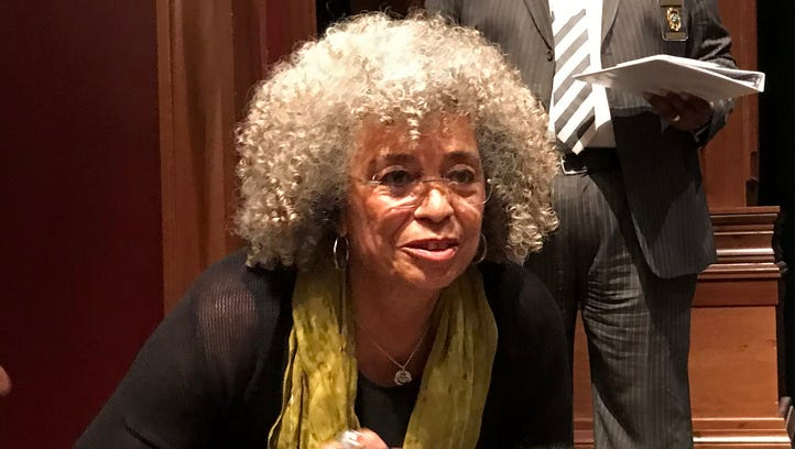 Social activist Angela Davis captivates audience at Florida State