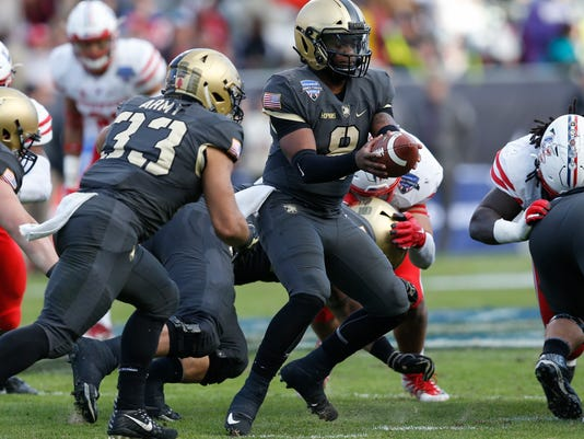 Armed_Forces_Bowl_Football_30841.jpg