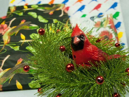 Bird themes help make holiday wrapping and decorating