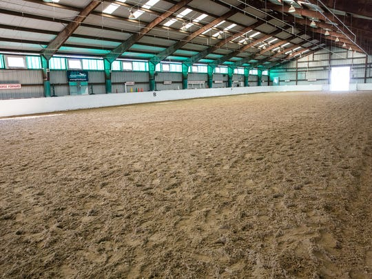 Winter riding lessons at Lord Stirling Stable in Basking