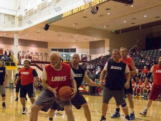 636535132821986241-The-Senate-Lobos-play-the-House-Aggies-in-the-Hoops4Hope-Legislative-Basketball-Game.jpg