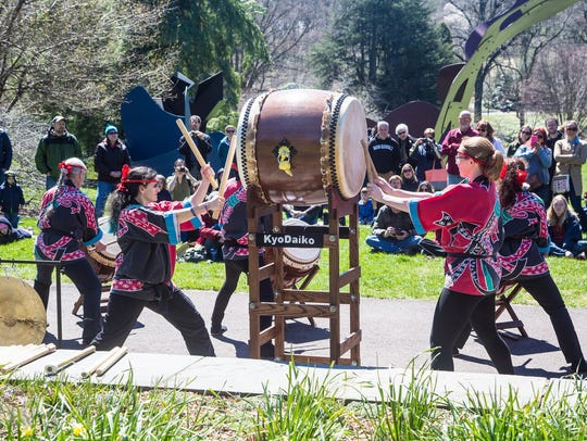 Demonstrations of Kyo Daiko drumming, a combination