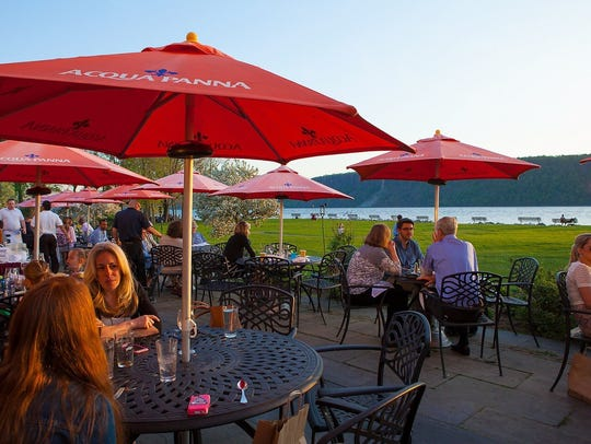 Diners at Harvest on the Hudson in Hastings