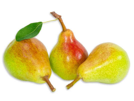 Bartlett pears are one of the varieties that are good to bake with brie.