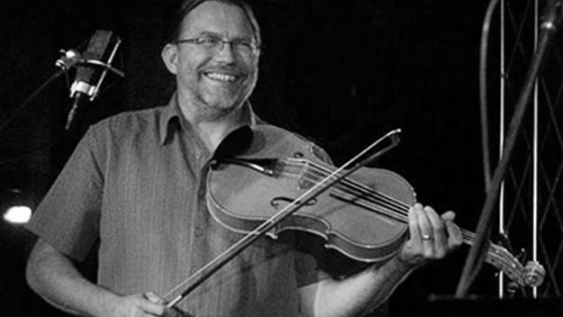 Randy Sabien's Fiddlehead Band comes to Green Lake's Thrasher Opera House on Aug. 9.