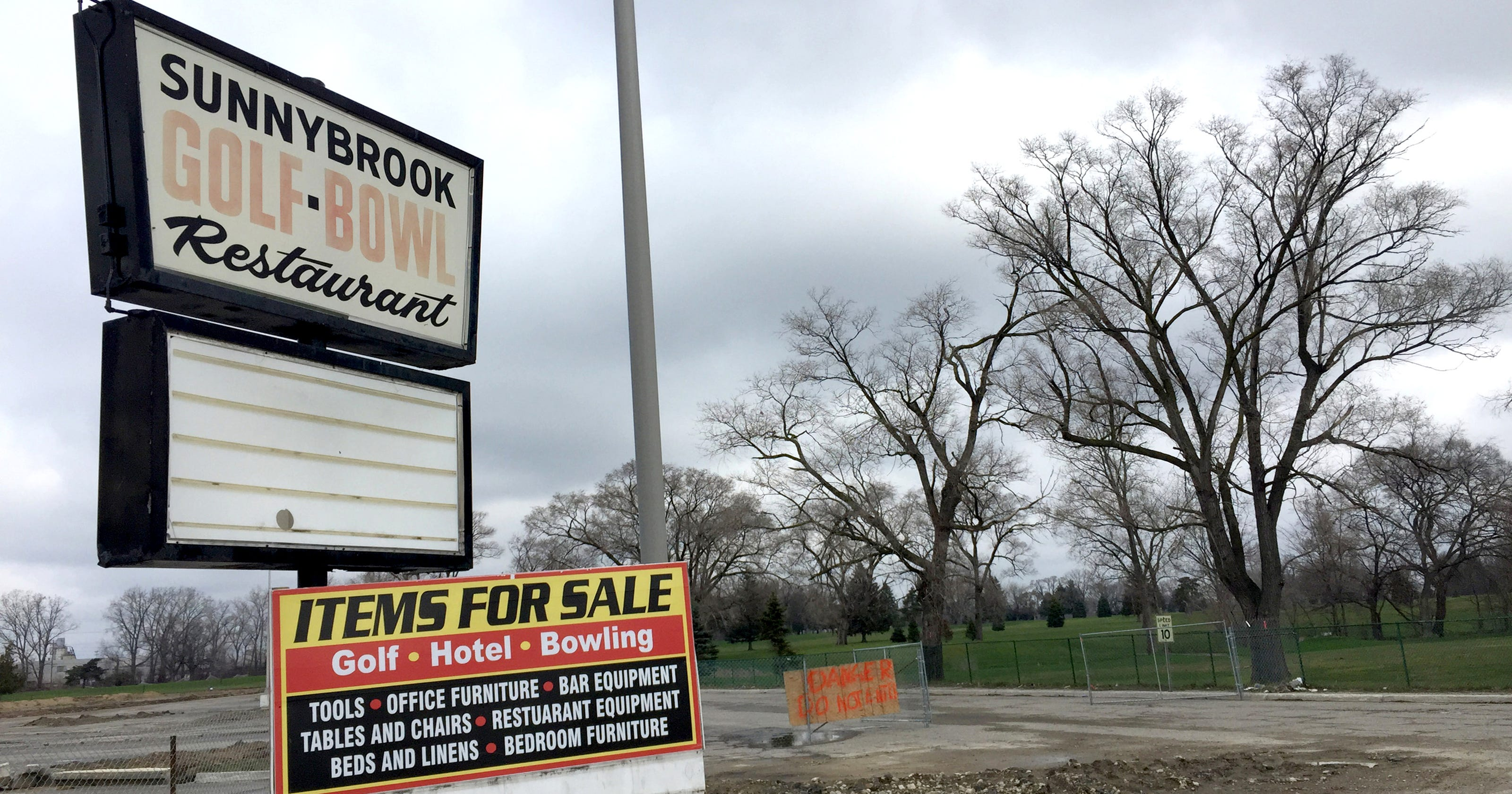 Michigan's golf course boom is now a painful bust
