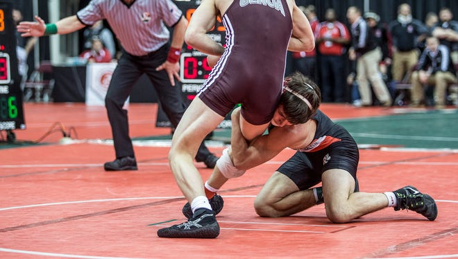 Genoa's Julian Sanchez beat Marion Pleasant's Carter Wolf in the semifinals at state.