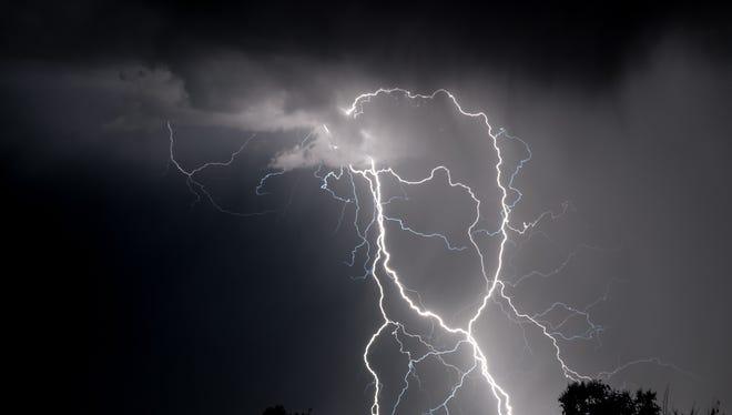 Severe weather hits the Kentuckiana region.