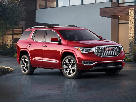 review gmc acadia loses weight gains little. Black Bedroom Furniture Sets. Home Design Ideas