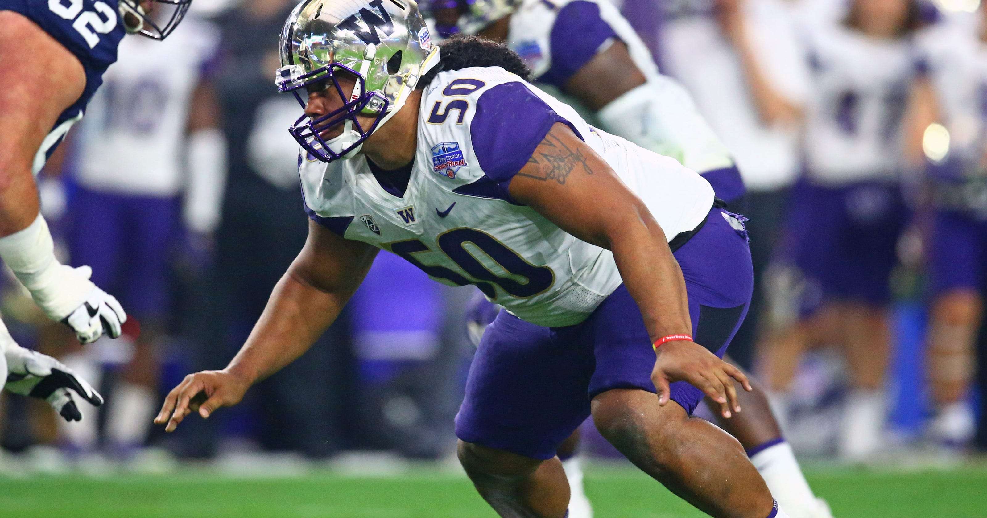 Who is Vita Vea 78425e245