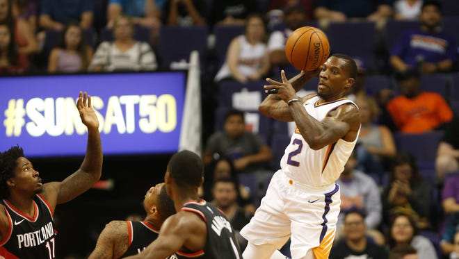 Phoenix Suns guard Eric Bledsoe (2) looks to pass against the Portland Trail Blazers during the first quarter in pre-season NBA action at Talking Stick Resort Arena in Phoenix, Ariz. October 11, 2017.