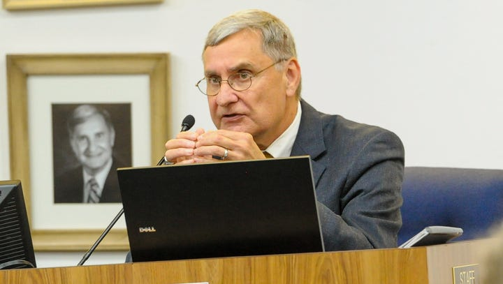 Superintendent: Lafayette teachers should still assign homework